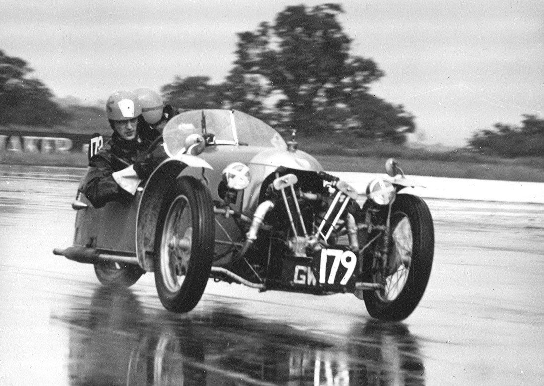 Roger Edmonds_29 June 1963_Silverstone_1st class award_GW25